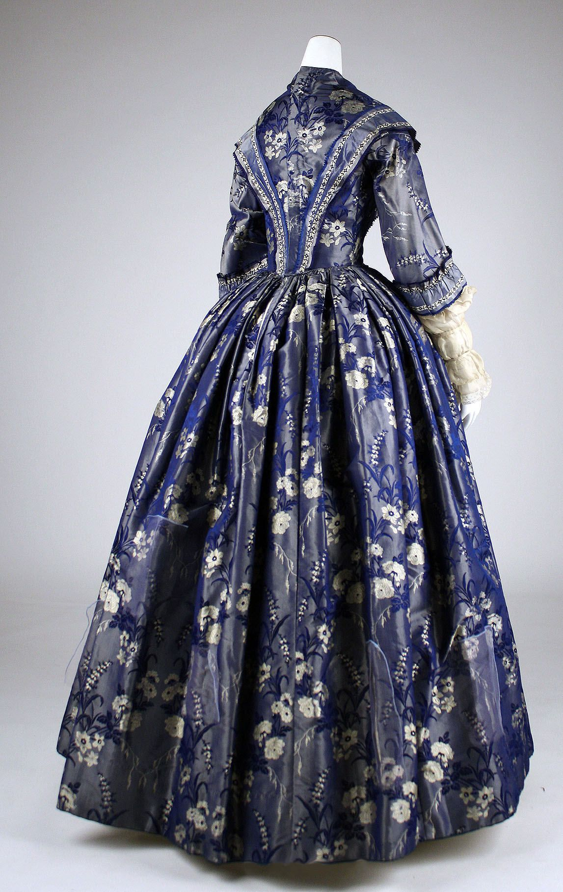 Dress ca s fashion pinterest museums met and silk gown