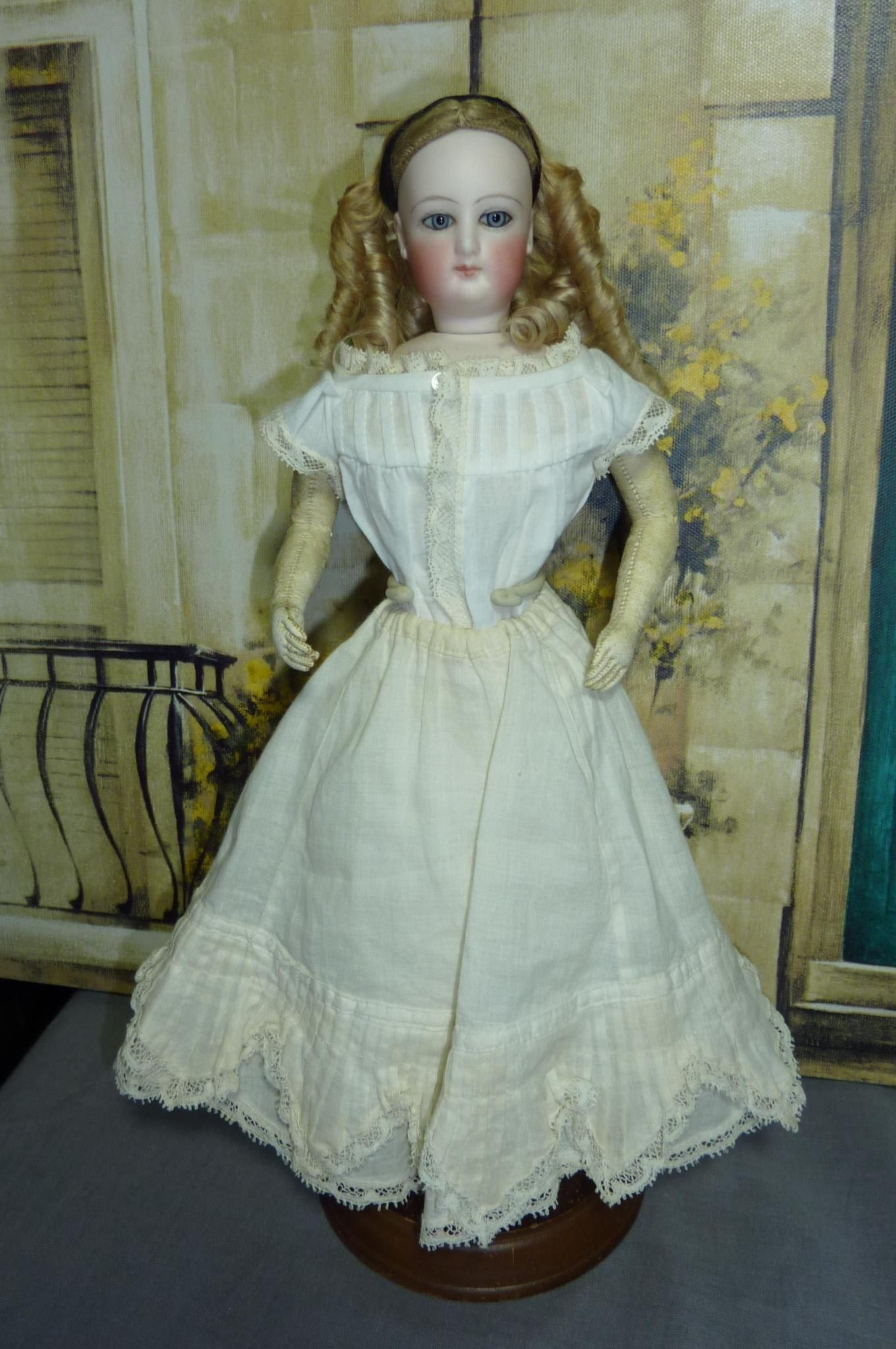 As of 1867 Henri Nicolle wrote that there were over 200 establishments in Paris where dolls and their trousseaux could be purchased.  These shops