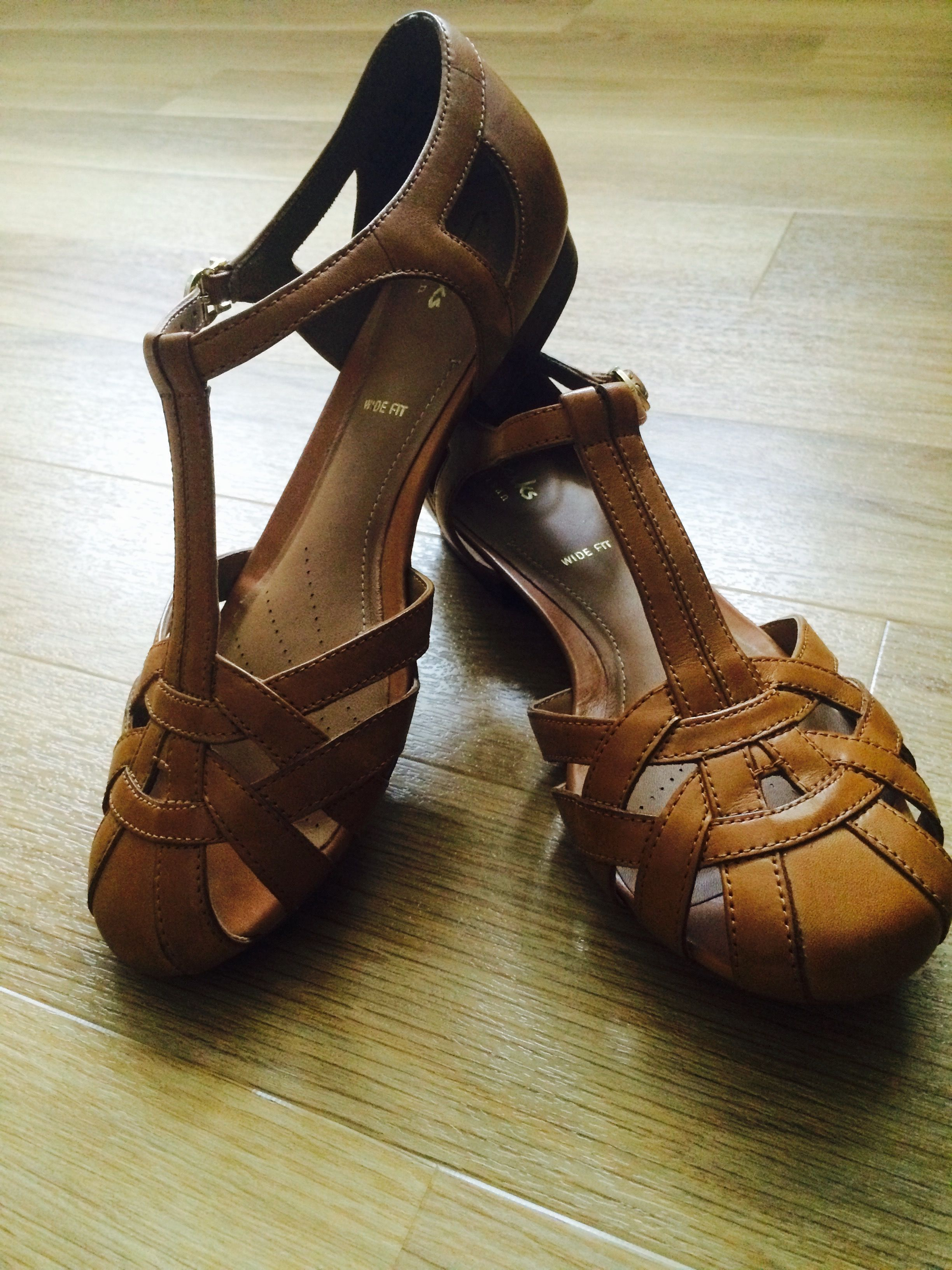 For Tan Henderson And Sandals Shoes Summer Clarks Luck Togs pqIBaEEn