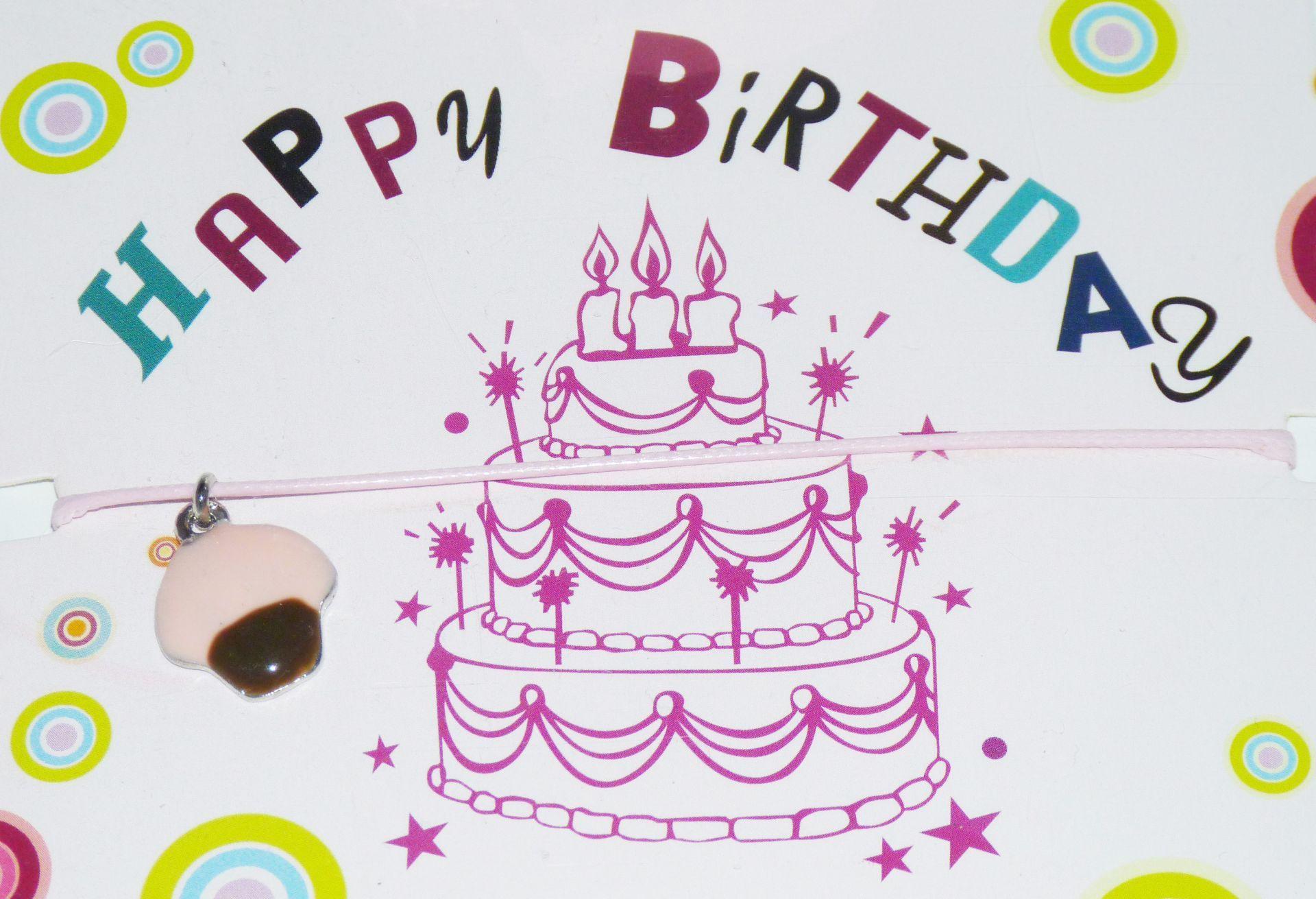 Bracelet Happy Birthday Avec Cordon De Couleur Rose Et Breloque