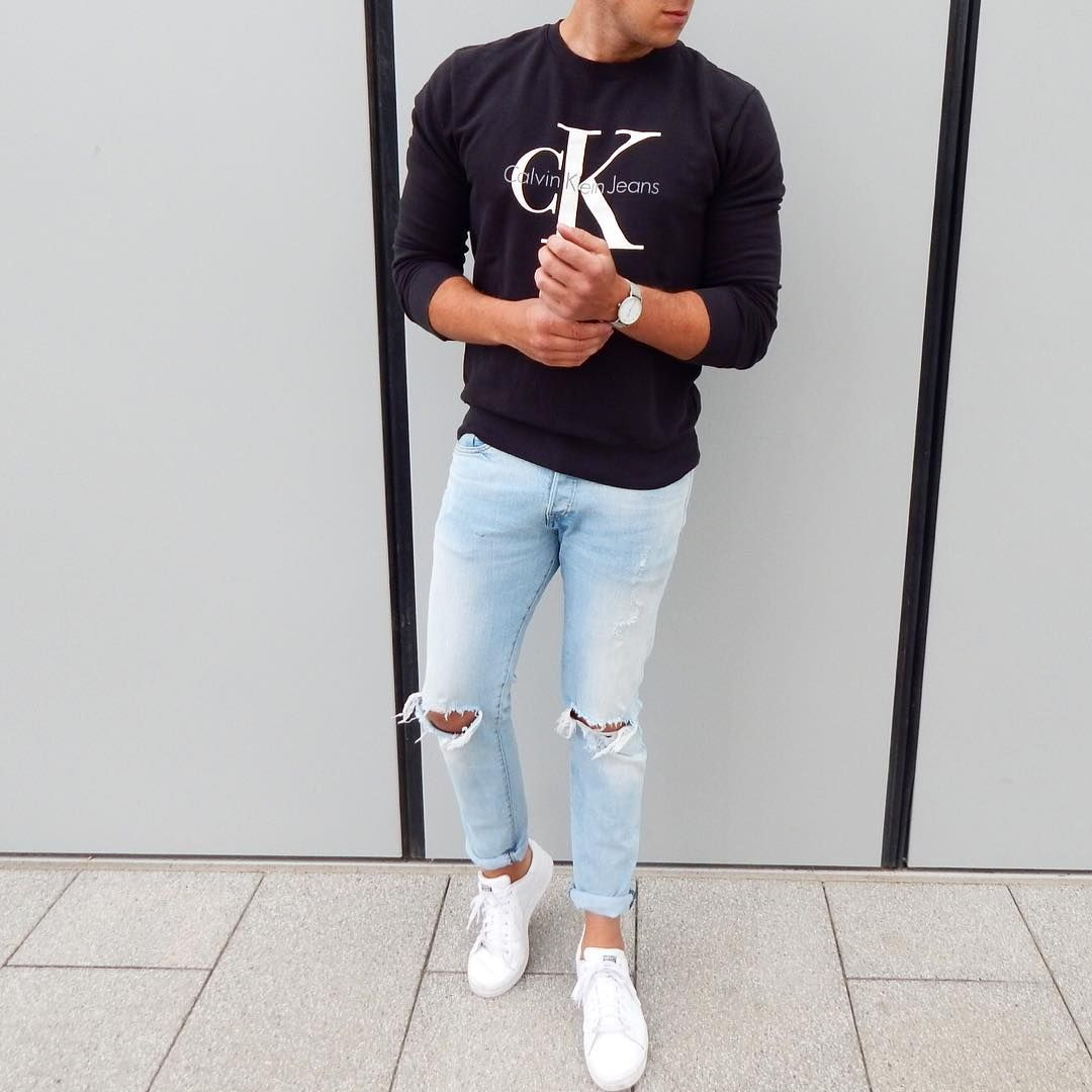 7 Logo T Shirts Street Style Men Are Wearing Now