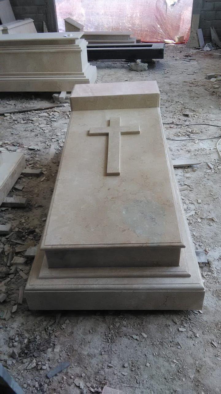 Kami memproduksi beragam model makam marmer dan granit