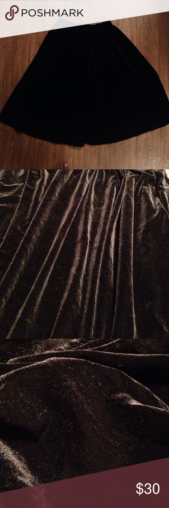 Velvet swing skirt Excellent condtion black velvet Urban Outfitters Skirts Circle & Skater