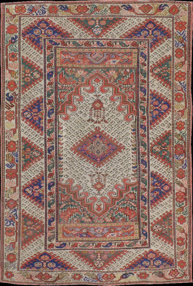 Gordes Ghiordes A District Of The Manisa Province Lying East Of Akhisar Rug Ca Early 20th Century 139 X 210 Cm Textil Kunstwerke