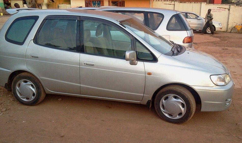 Toyota Spacio AE111 Model 2000 on sale for 11M UGX