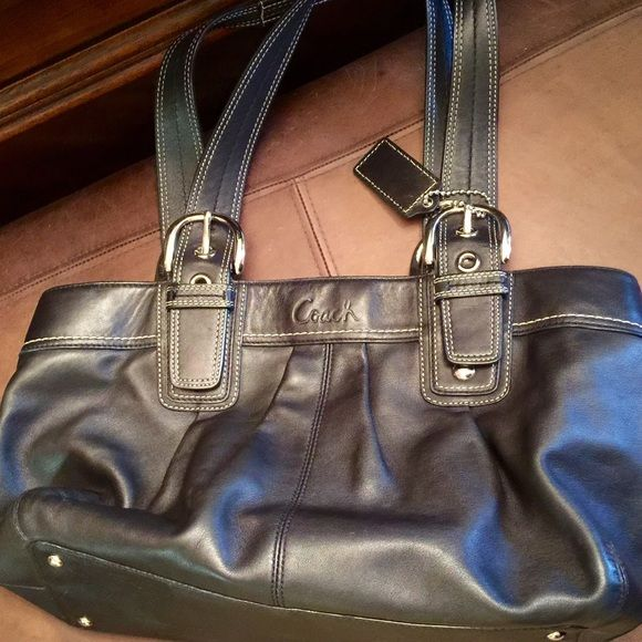 BLACK COACH TOTE LARGE IN EXCELLENT CONDITION LIGHT GRAY INTERIOR DOUBLE STRAP SILVER HARDWARE AND FEET Coach Bags Totes