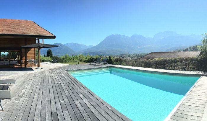 Piscine avec vue imprenable sur les montagnes saint - Location maison avec piscine annecy ...