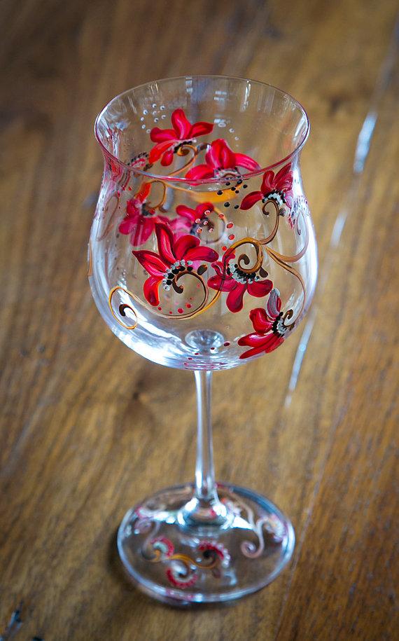 floral rouge peinte la main d cor vin verres ensemble cadeau d h tesse peinture sur. Black Bedroom Furniture Sets. Home Design Ideas
