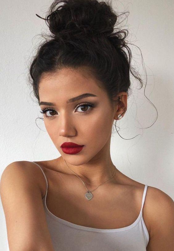 Schimmerndes und natürliches Sommer-Make-up - Pinterest #makeupprom