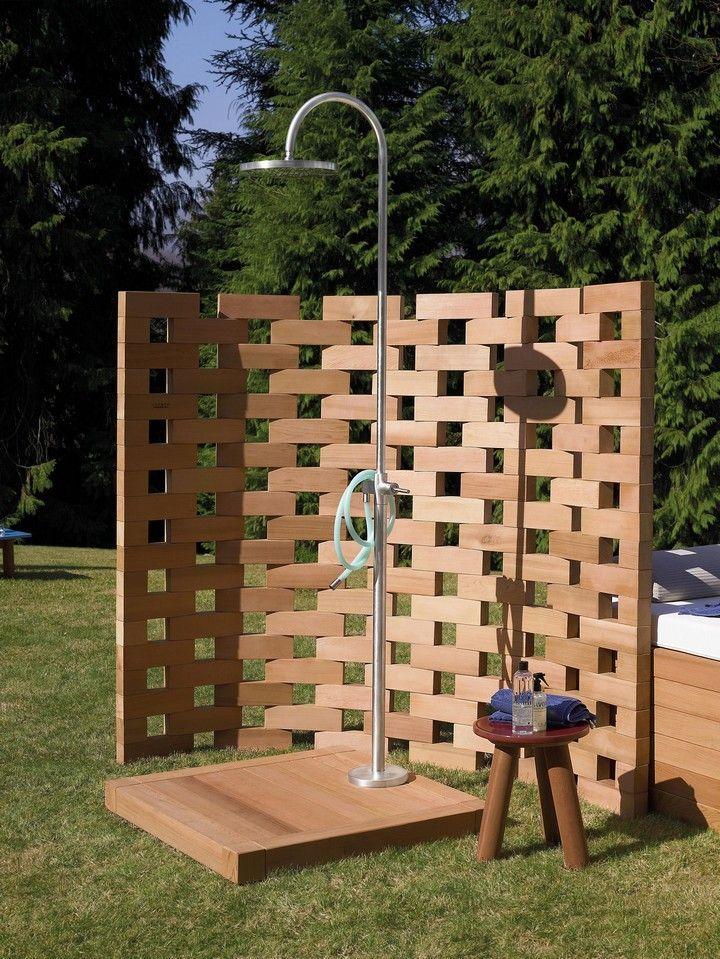 Beautiful DIY Outdoor Shower Ideas For The Best Summer Time | Chronicinthekitche...#beautiful #chronicinthekitche #diy #ideas #outdoor #shower #summer #time