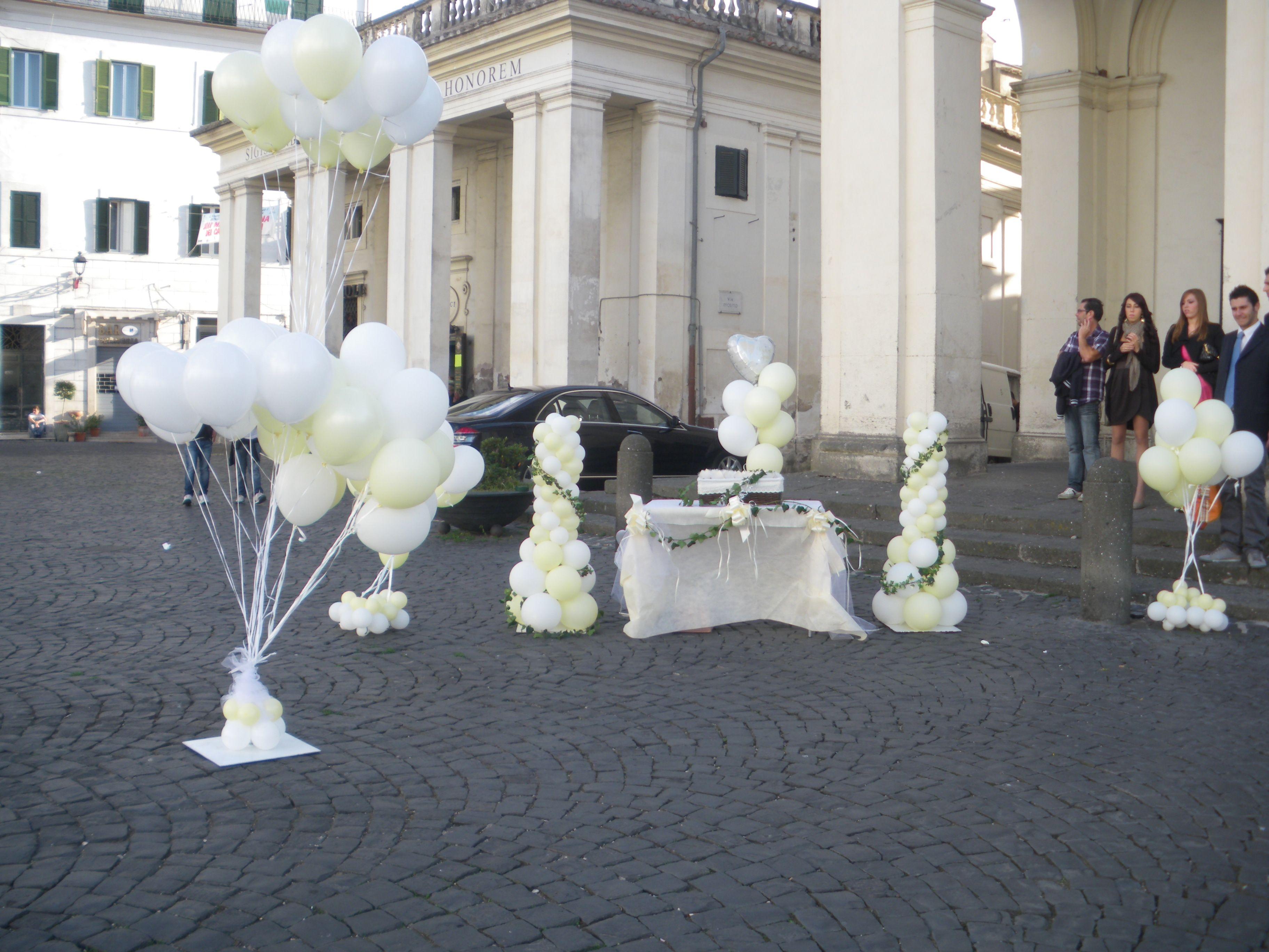 Composizione Buffet Lancio Palloncini Uscita Sposi Chiesa Santa Maria Assunta Ariccia Palloncini Matrimonio Palloncini Matrimonio