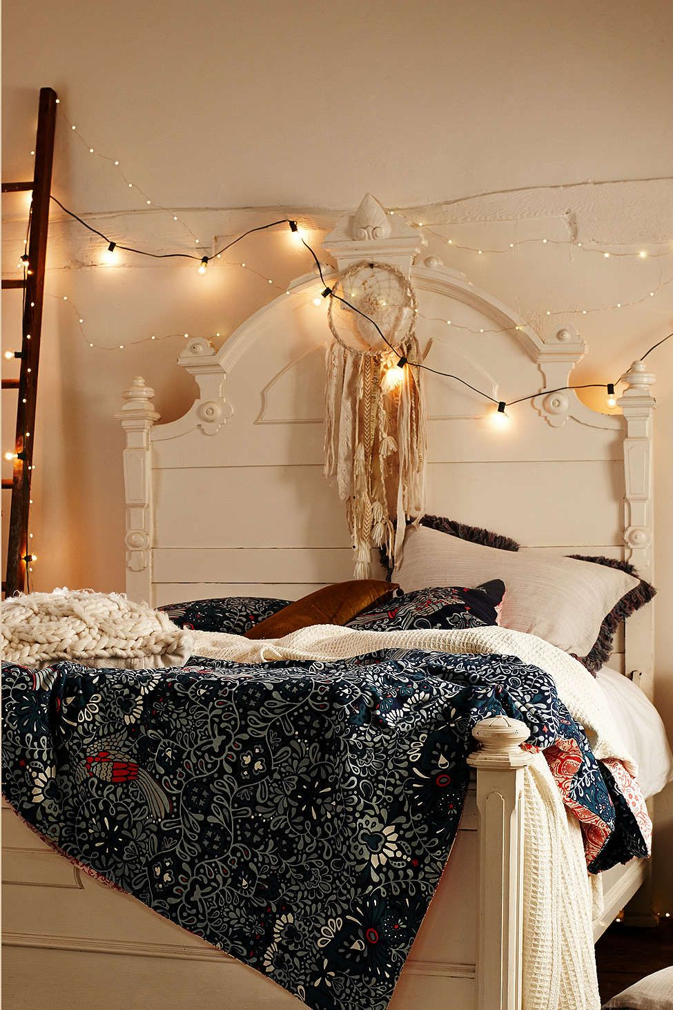 globe string lights mi casa maison deco chambre. Black Bedroom Furniture Sets. Home Design Ideas