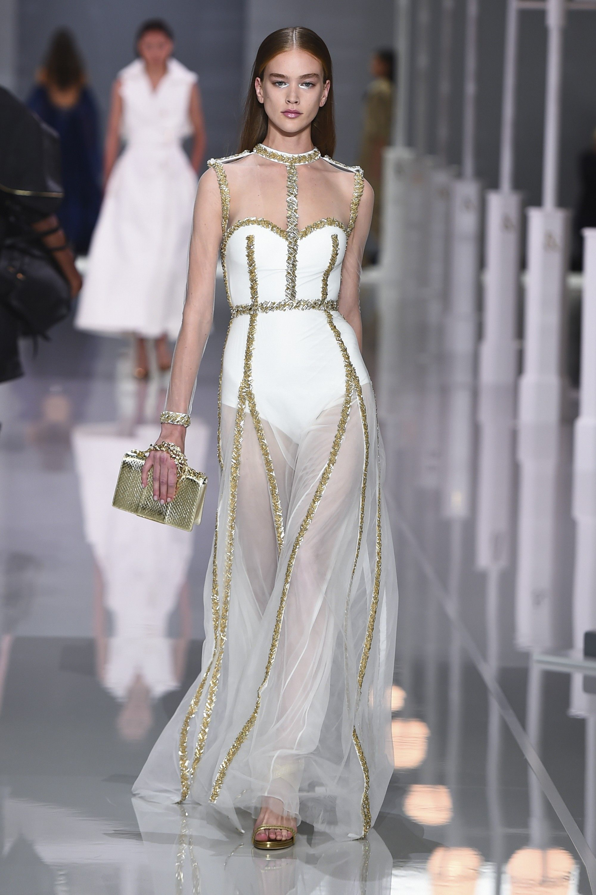 6812a8ebbe01 Ralph   Russo S S 2018 - Ready to Wear