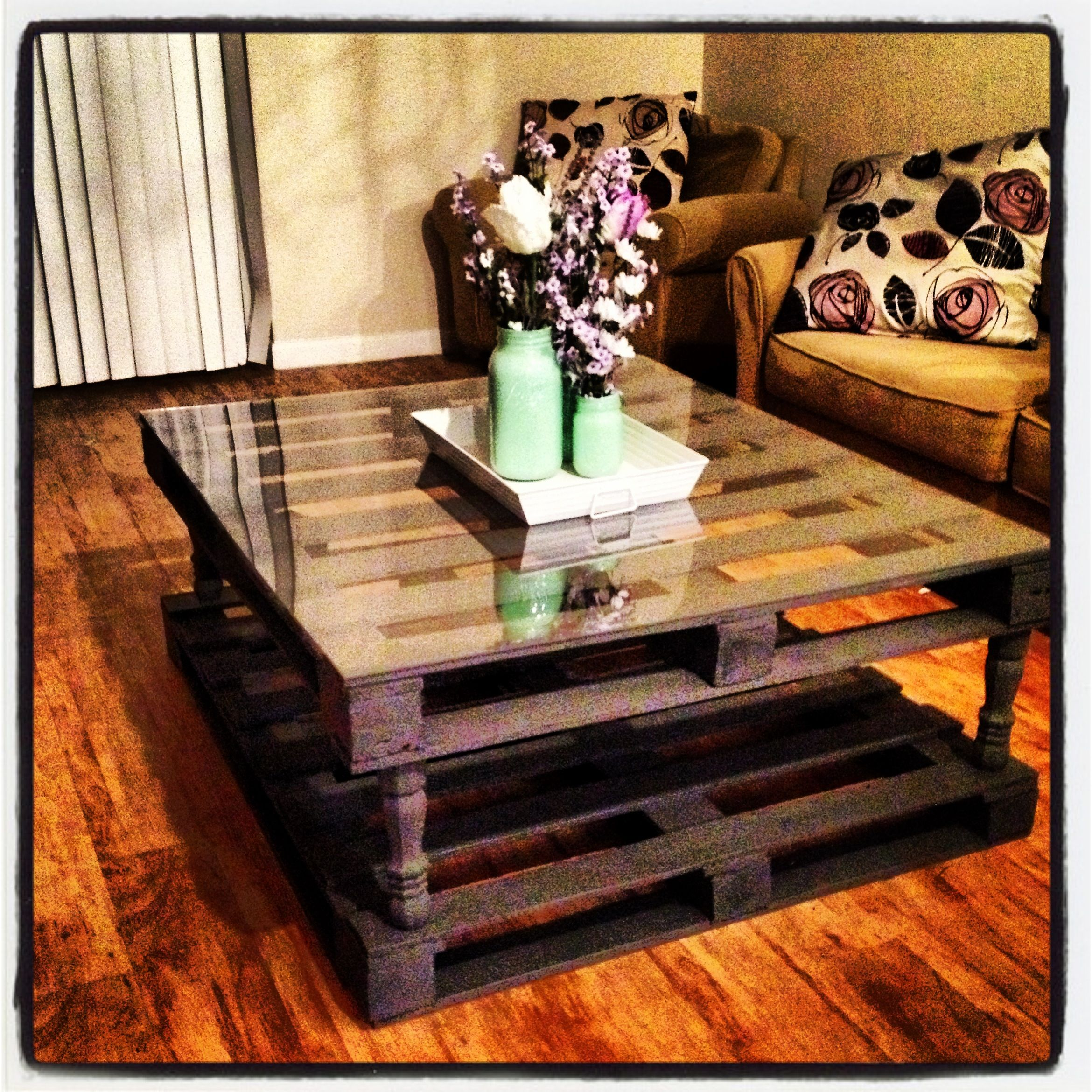 Beautiful Palate Table With A Plexiglass Table Top!! This Project Was So Easy And  Cheap
