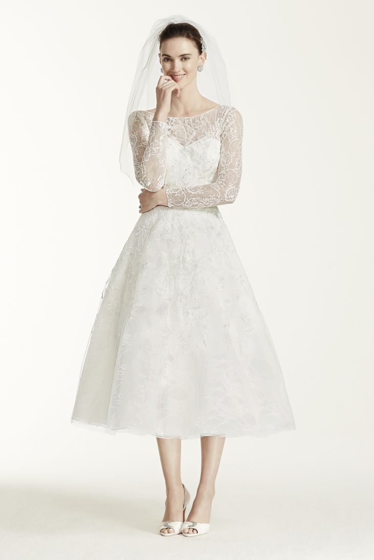 Elegantly tailored wedding dresses for brides with pearshaped body