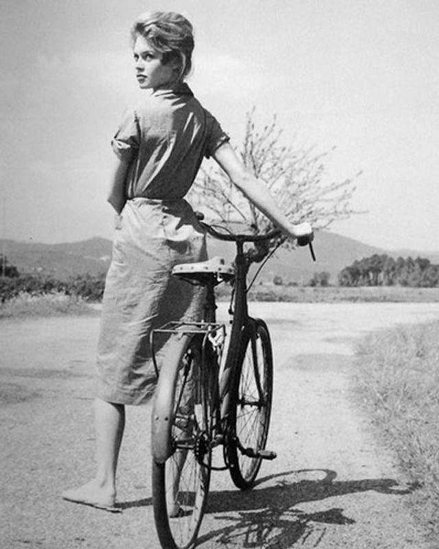 Risultati immagini per brigitte bardot bicycle