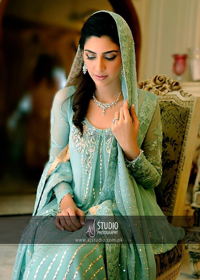 8ed97b5329 Pakistani Bride in Ice Blue Dulhan Dress, Mehendi Outfits, Pakistani  Jewelry, Pakistani Bridal
