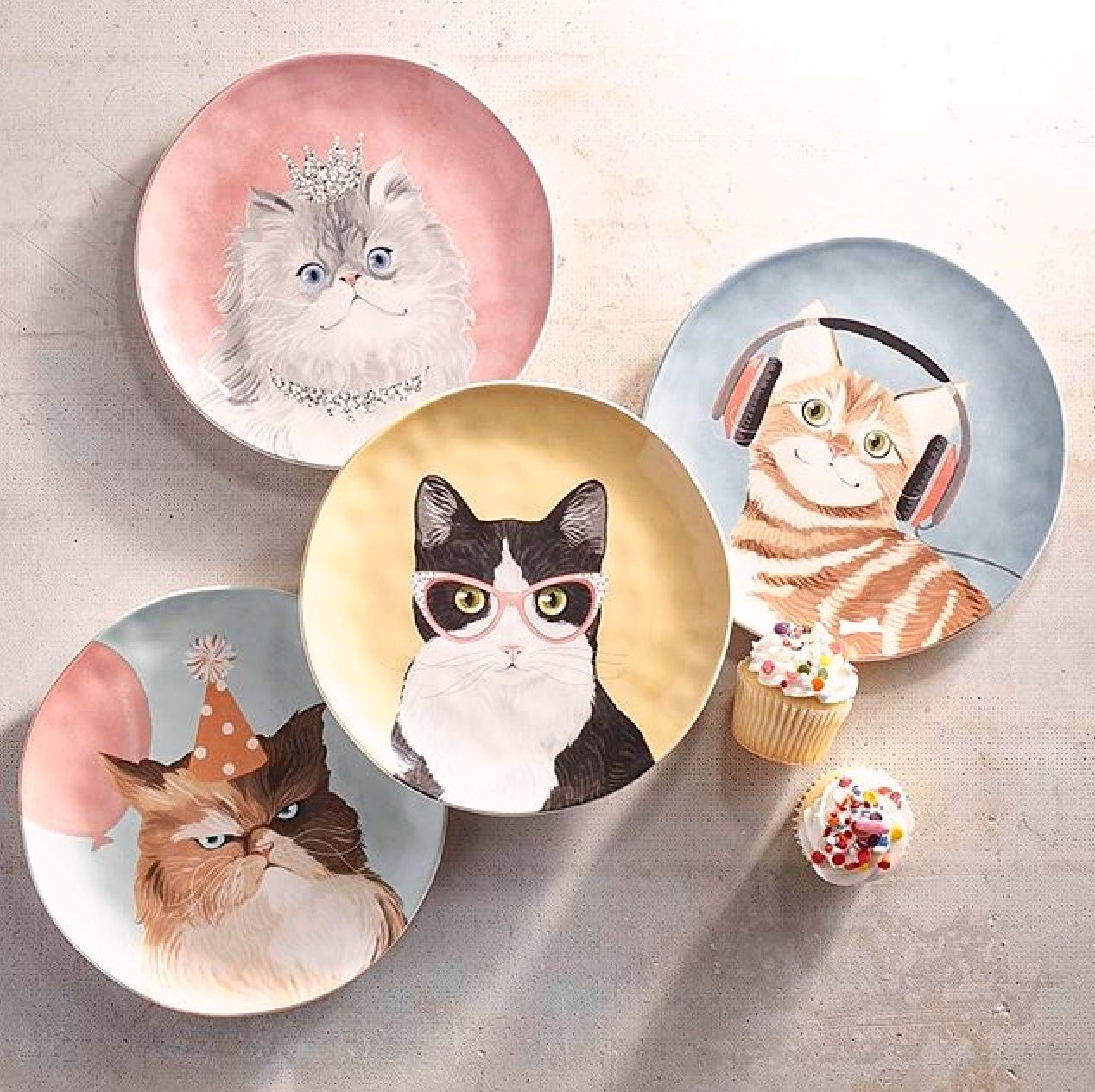 I am in love with these darling kitty dessert plates from ...