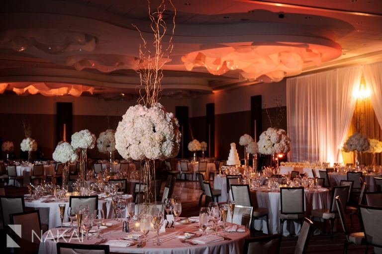 Gorgeous wedding reception photo at the loews chicago ohare luxury wedding venue in the suburbs of chicago truly one of the best modern hotel spaces