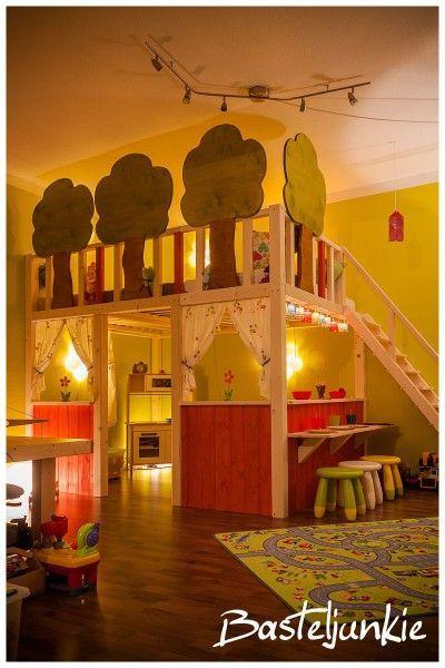 DIY children's bed and kitchen underneath. Amazing!!!   - Craft Ideas -