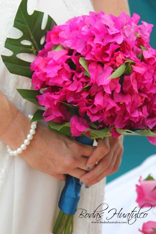 Hermoso Y Original Ramo De Buganvilias Ideal Para Tu Boda En Playa Por Bodas Huatulco Mexican Weddingsflower Bouquetswedding