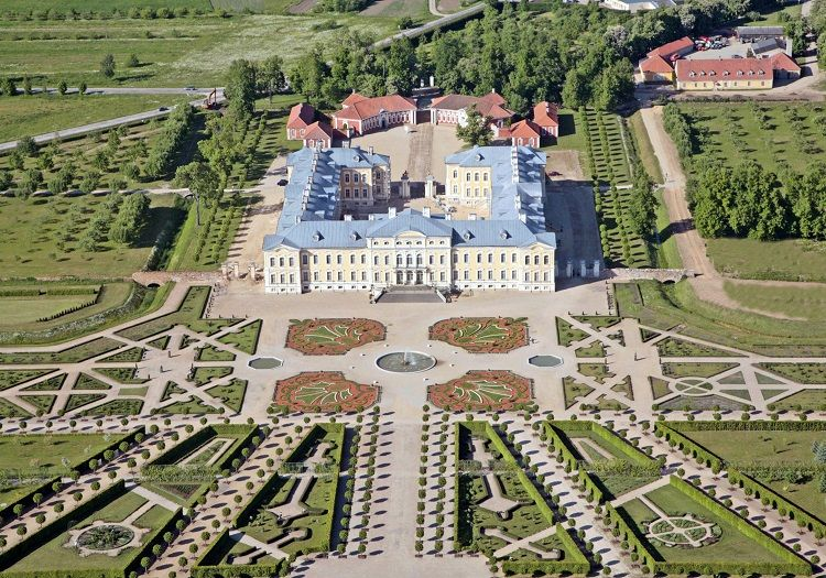 Rundale Palace - Aerial view