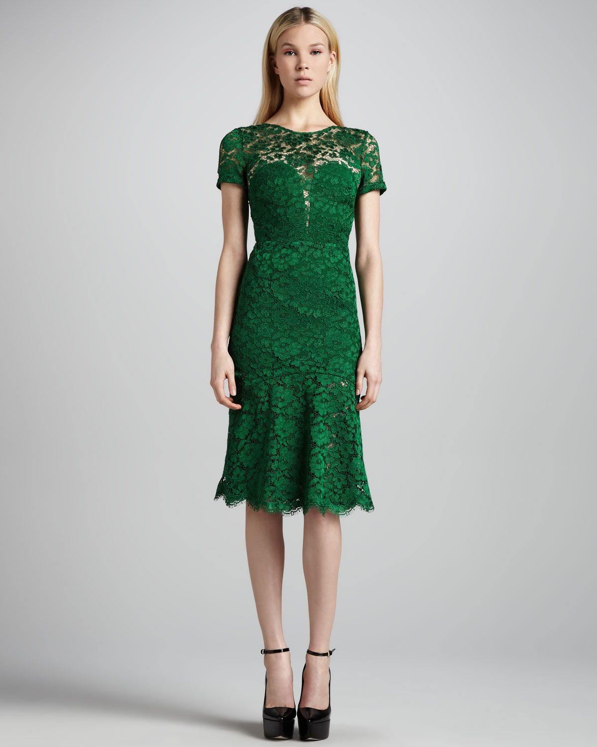 Neiman marcus dresses for weddings  Burberry Prorsum CutoutBack Lace Dress  кружева  Pinterest