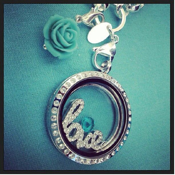 origami owl love window plate in the large silver locket