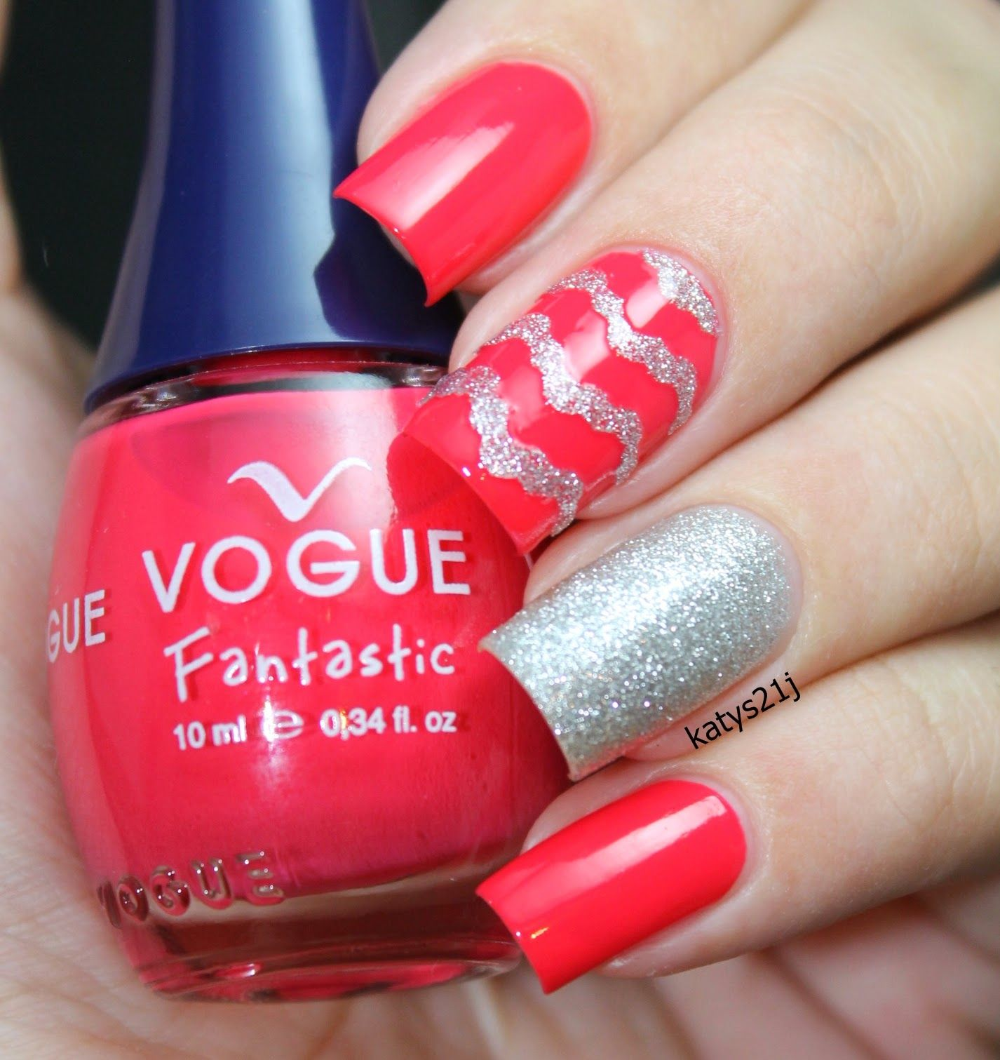 My Nail Art Journal: Frenesi De Vogue Fantastic \