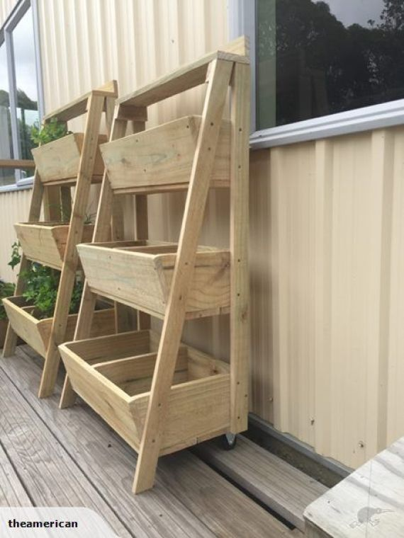 Decoration with DIY wooden pots and flower boxes that giving the garden a special charm #woodengardenplanters