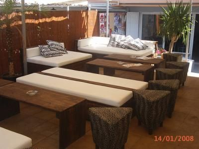 sofs para chill out artesania con palets madera lijado tallando la