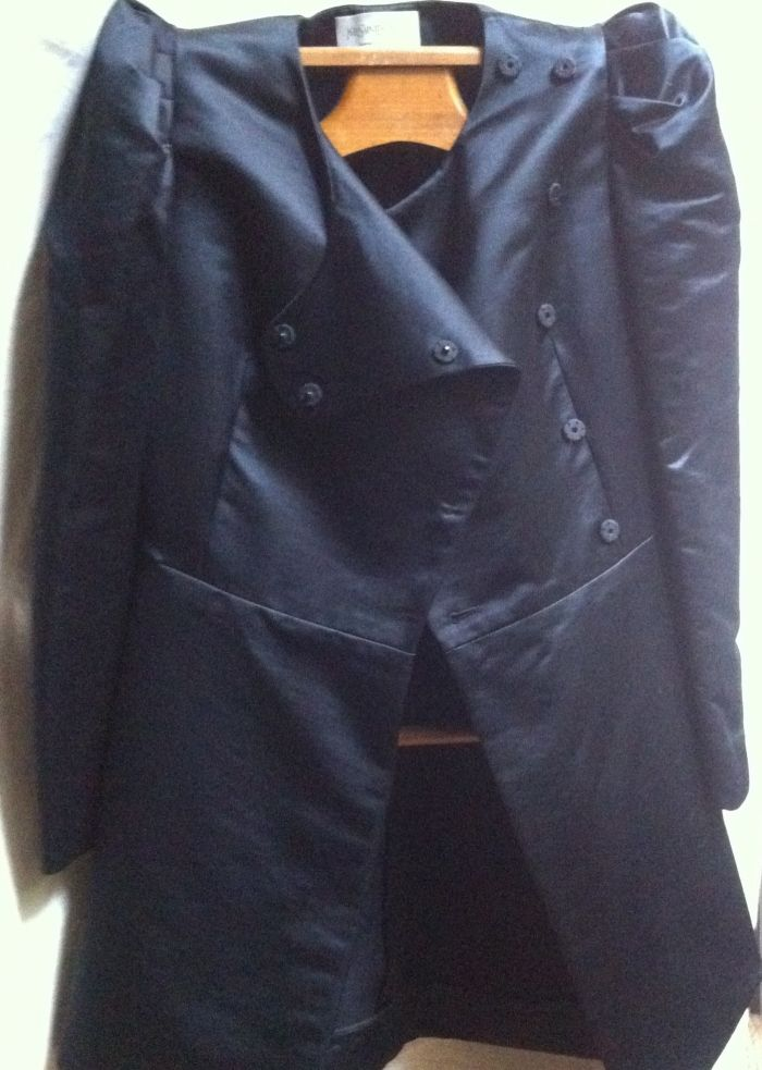 Manteau court de Yves Saint Laurent - MonLuxeTonLuxe.com