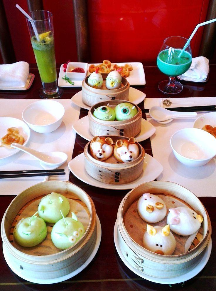Photo of Mittagessen im Disneyland Hong Kong !! Schau dir das blaue Getränk an!