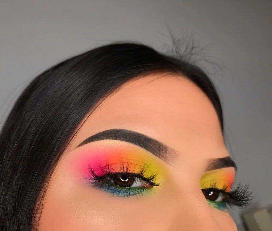 "Aracely Garcia on Instagram: ""Rainbow sherbert � . FOLLOW (@chellylovesmakeup91) for more makeup posts � Ignore mis pelos de elote �� . Eyeshadow: @bhcosmetics Take Me…"""