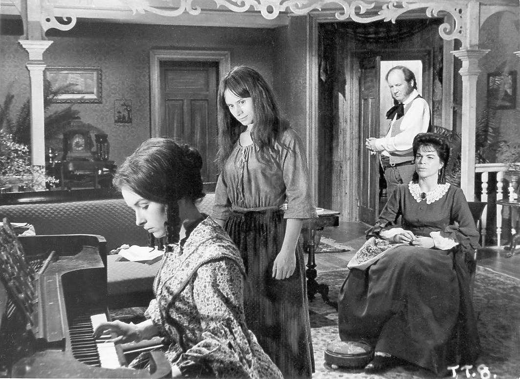 Rita-Tushingham-The-Trap-Piano-1063x774.jpeg | Trap, The (1966 ...