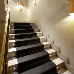 Beau Flooring Options For Stairs To Make Your Home Look Beautiful