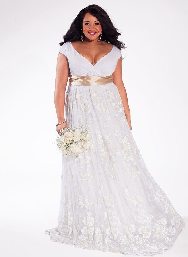 Eugenia Vintage Plus Size Wedding Gown. I might change that sash to ...