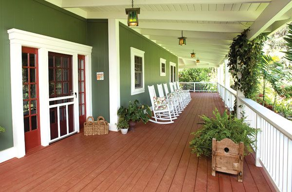 Front porch plantation style lanai red dirty paint at for Hawaiian plantation style homes
