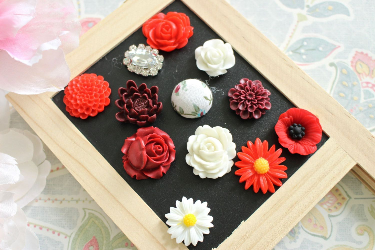 Mixed Red White 12 Fridge Magnets 12 Piece Magnets Flower