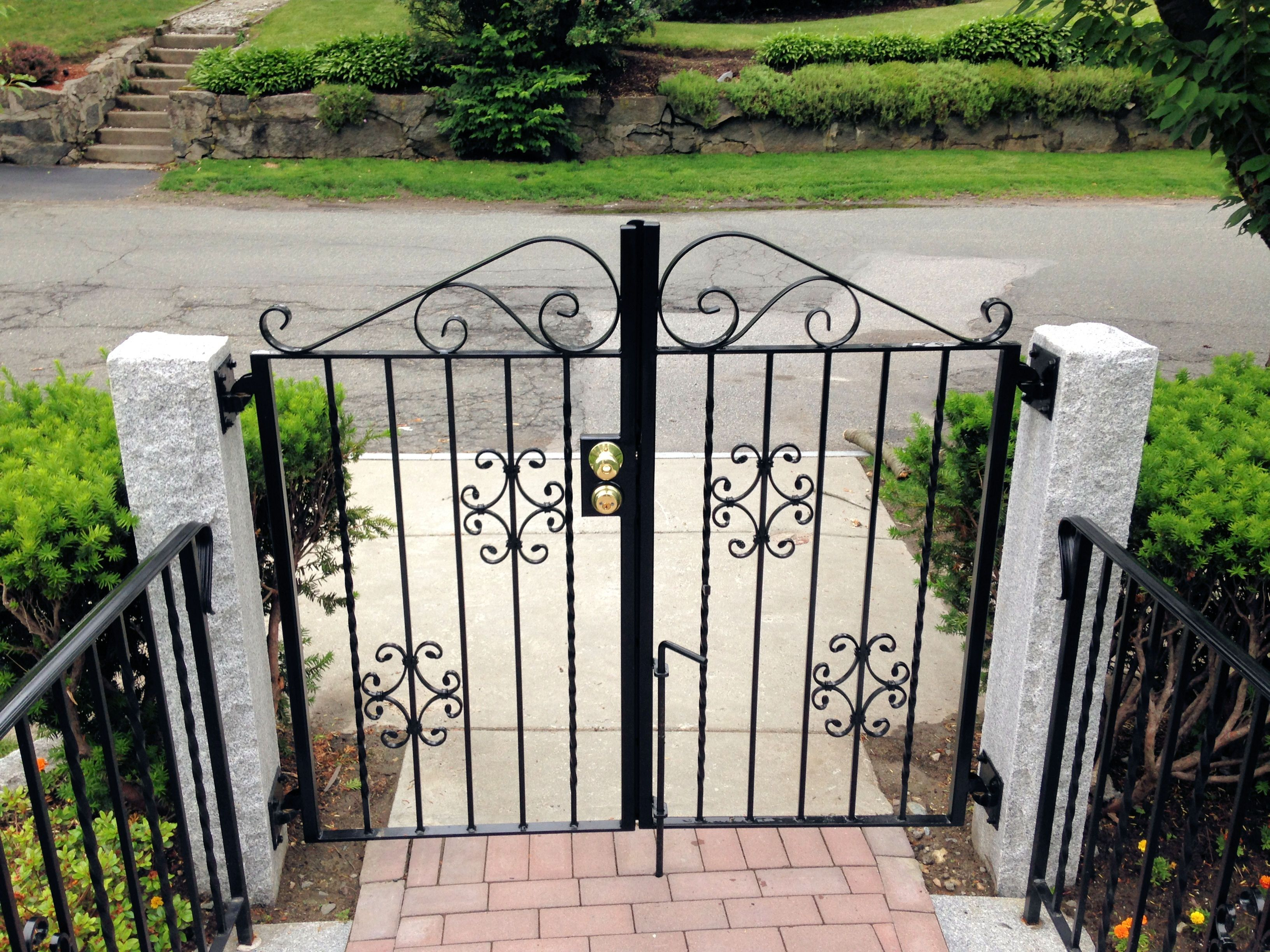 Bolduc Colonial Red Pavers 12 Wide X 2 Thick Imperial Granite Treads 6 X6 X7 Granite Posts Gates And Raili Gates And Railings Front Door Porch Front Door