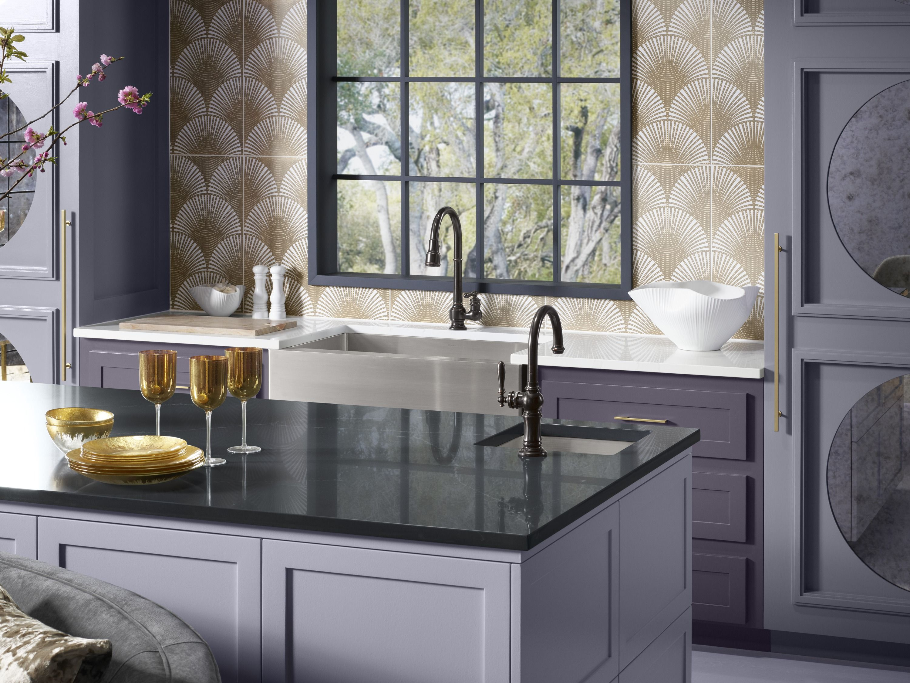 When Silestone Eternal Charcoal Soapstone and Silestone Eternal ...