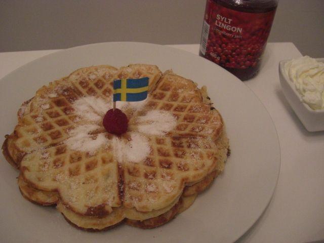 typisch schwedische waffeln v fflor das rezept aus meiner skandinavischen k che ohne zucker. Black Bedroom Furniture Sets. Home Design Ideas