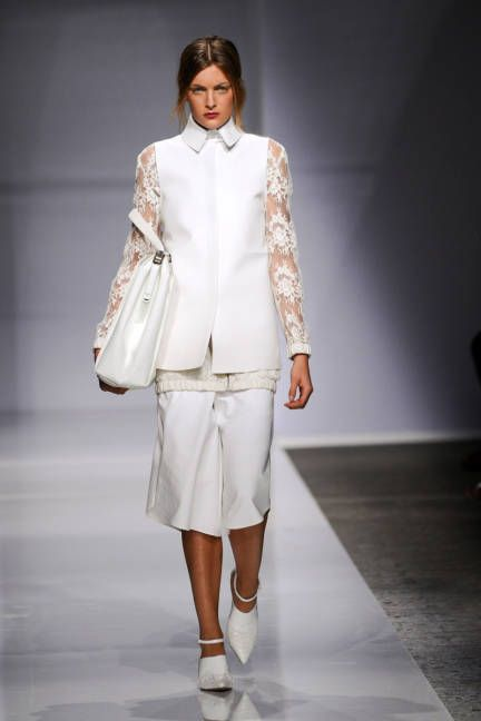 Ports 1961 Spring 2014 // Learn how to hand render LACE: http://www.universityoffashion.com/lessons/rendering-lace/