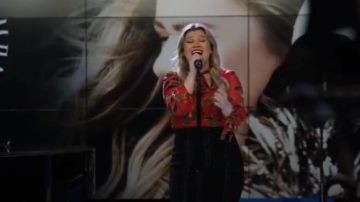 Alice  Olivia Red Leopard Lips Blouse worn by Kelly Clarkson in The Morning Show Season 1 Episode 4 Leopard Lips