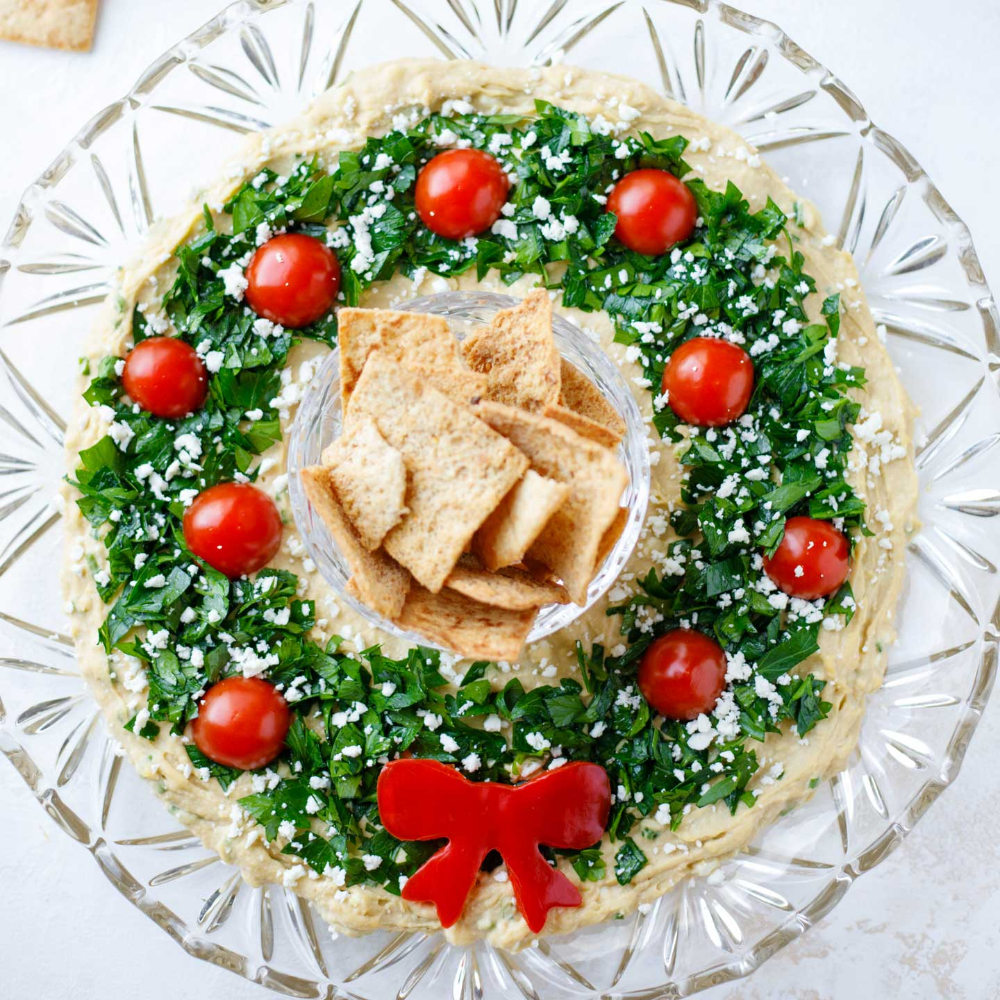 "Easy Christmas Appetizer ""Hummus Wreath"""