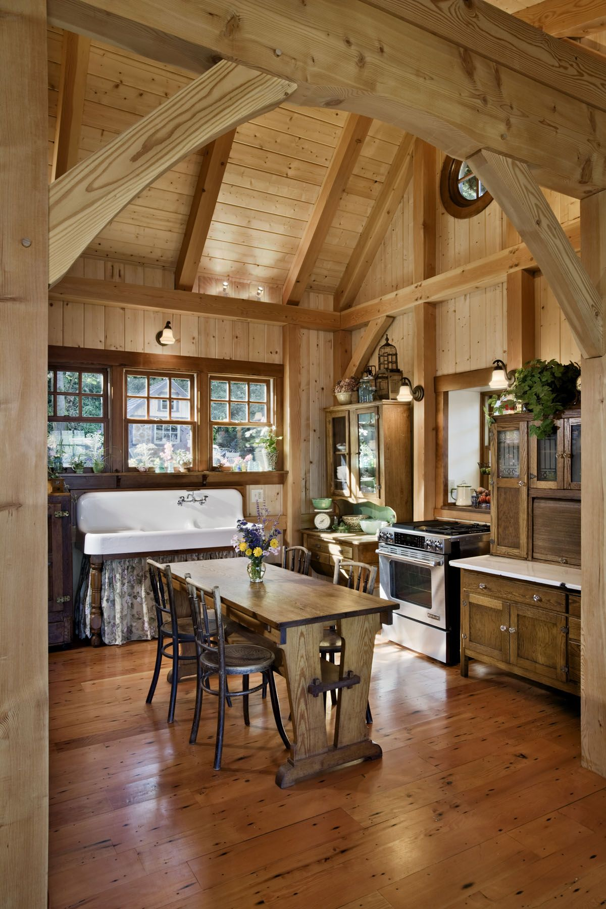 Build This Cozy Cabin Cozy Cabin Magazine Do It Yourself: Think Small: A Well-Designed Pacific Coast Cottage
