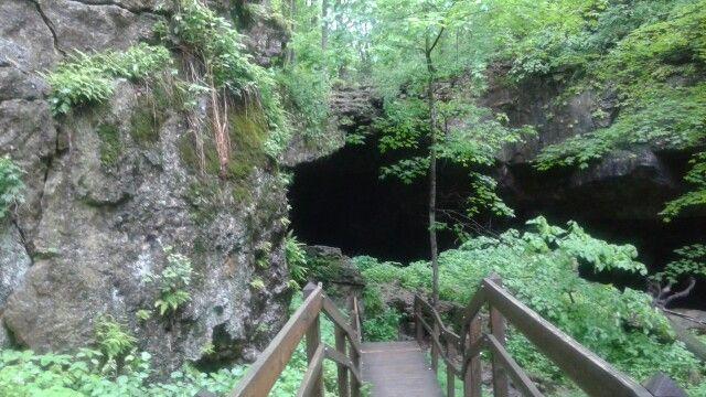 Maquoketa caves