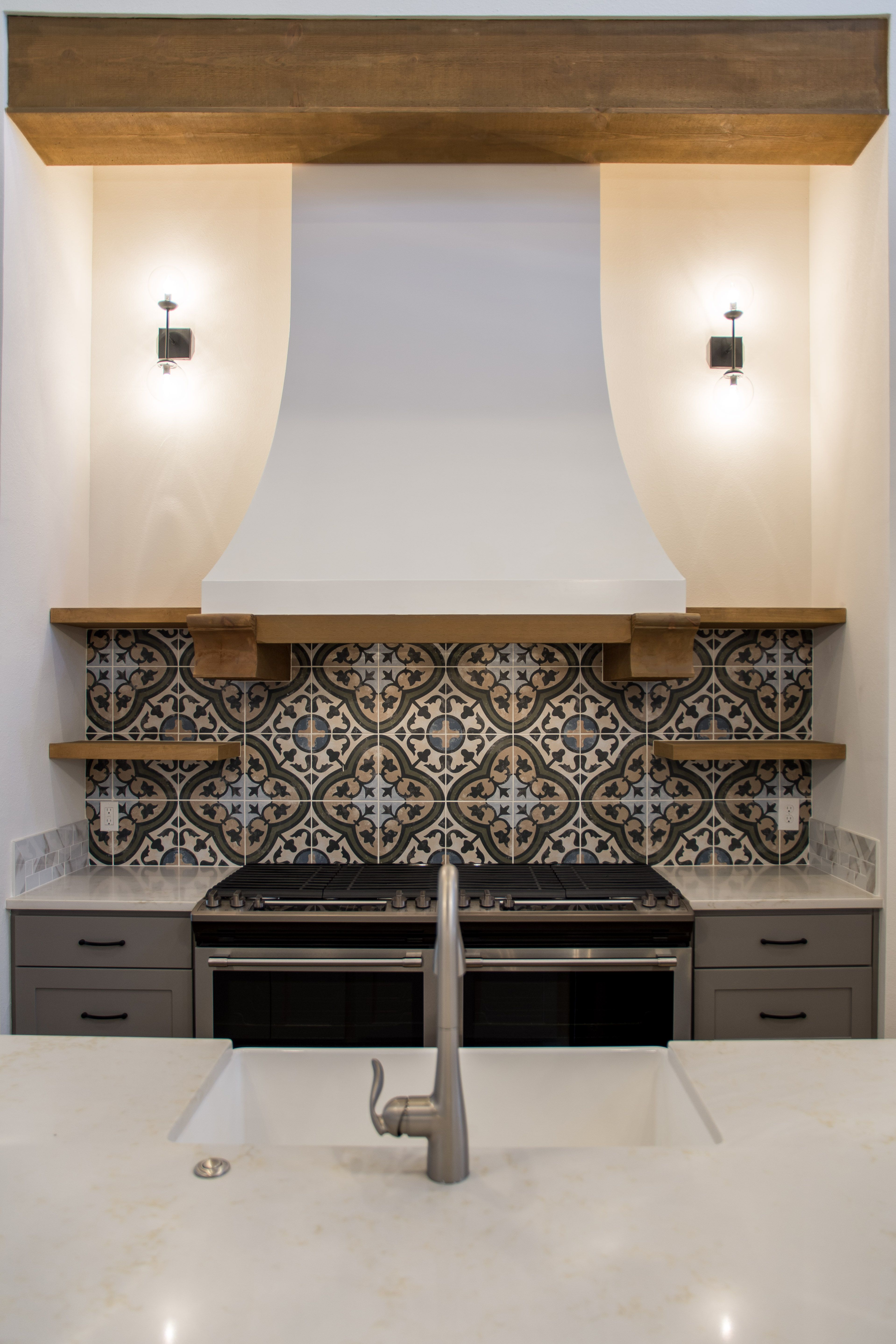 Kitchen Design With Mediterranean Inspired Details Cement Tile Backsplash Wood Accents By Ventura Homes In Lubbock Texas Mediterranean Tile Backsplash
