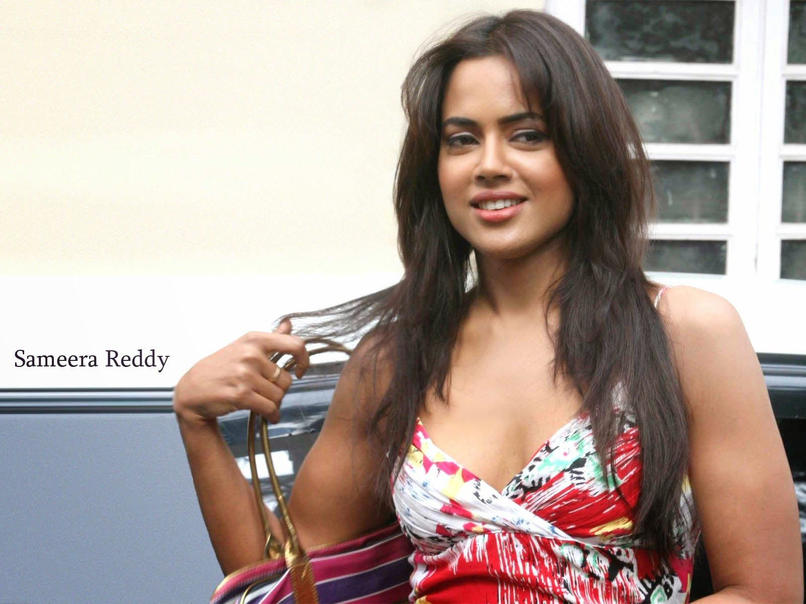 Image result for SAMEERA REDDY GIFS