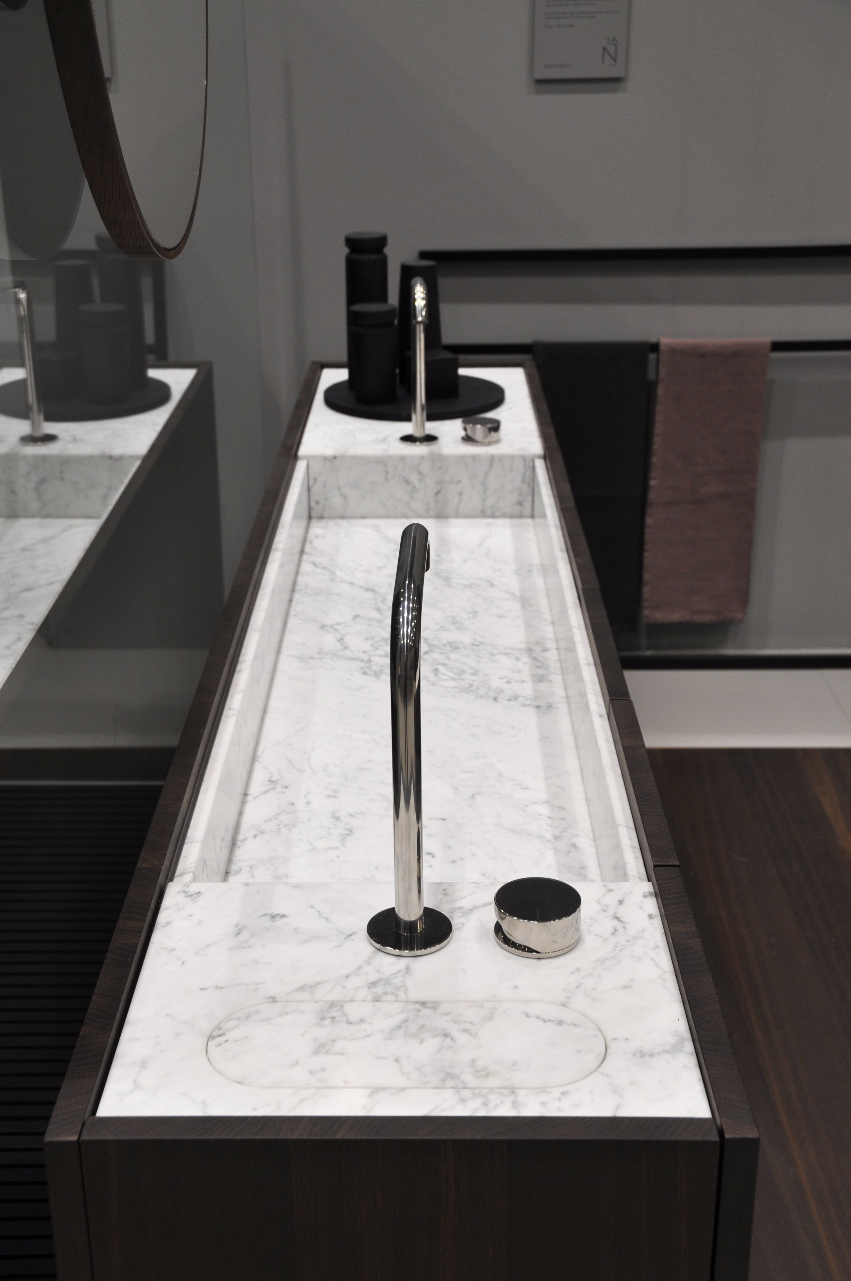 The Slim Depth Of MODULO30 Vanity With Integrated